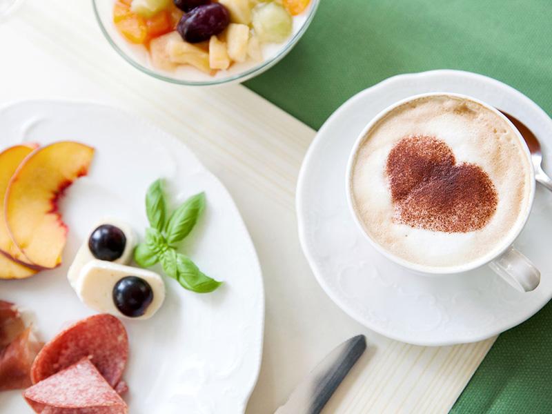 Frühstück im Hotel-Restaurant in Bad Bevensen
