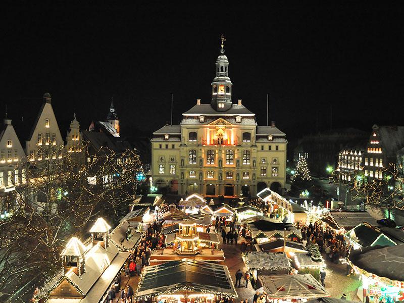 Lüneburg zur Weihnachtszeit im Lichterglanz (c) Mathias Schneider