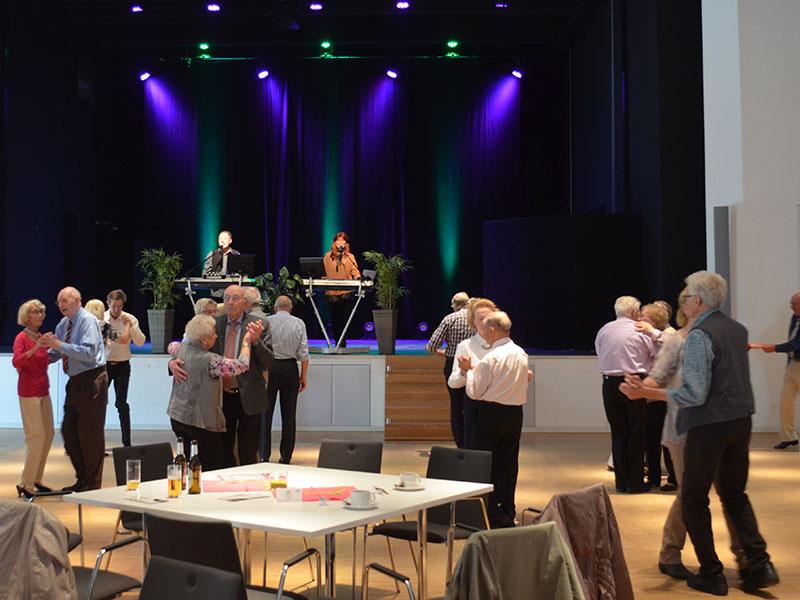 Tanztee im großen Saal vom Kurhaus Bad Bevensen