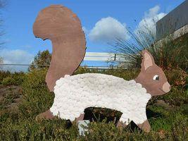 Hans-Hermann-Kunstaktion: das Eichhörnchen als Schaf