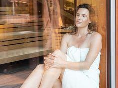 Saunagast im Sole-Entspannungsraum der Jod-Sole-Therme Bad Bevensen