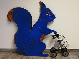 Hans-Hermann-Kunstaktion: das Eichhörnchen als Hans-Hermann Blue