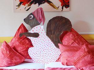Hans-Hermann-Kunstaktion: das Eichhörnchen als Schlafhörnchen