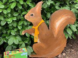 Hans-Hermann-Kunstaktion: das Eichhörnchen als Knabber