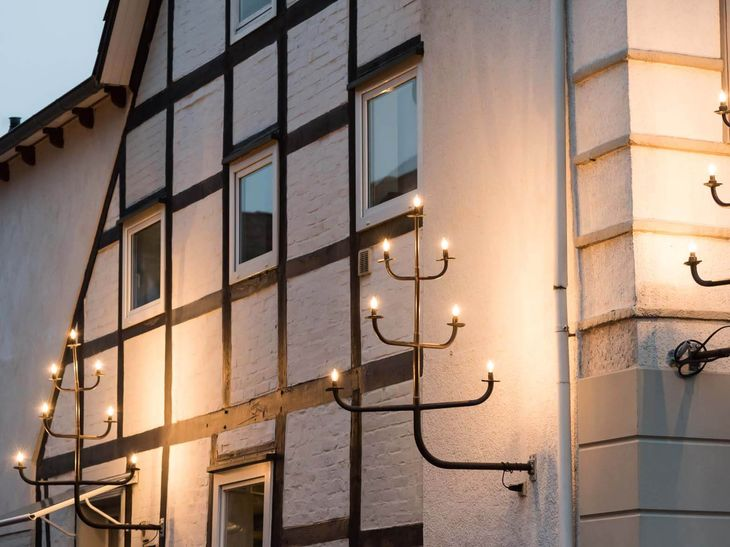 Siebenstern an einer Hausfassade