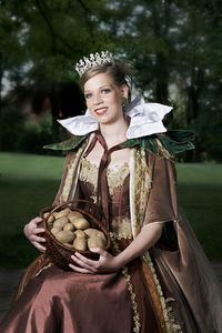 Bad Bevensens 1. Heidekartoffelkönigin Friederike