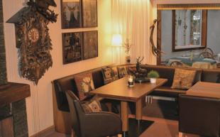 Hotel zum Goldenen Hirsch Hunting-Club Lounge
